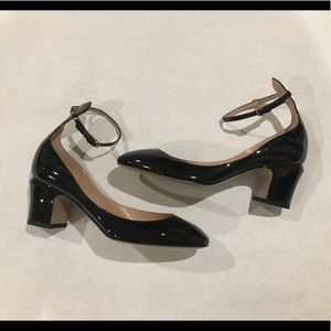 "NWOT Valentino ""Tango"" ankle strap pumps Sz 8"